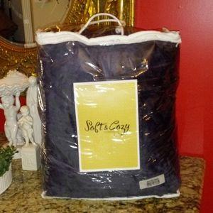1118 Soft & Cozy Plush Reverse Sherpa Blanket